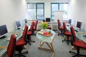 FCS AG – Hanauer Straße 30 Raum 2 mit 9 Arbeitsplätzen